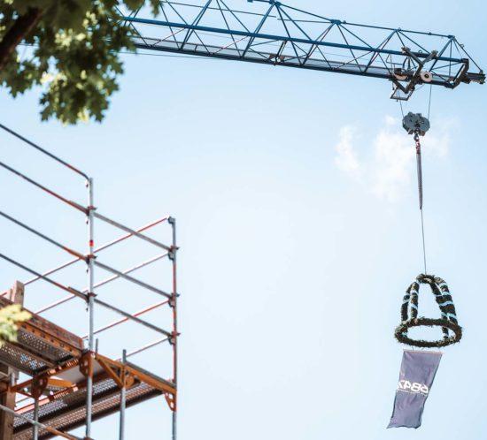 Die 6B47 Germany GmbH als Bauherr, die INVENTIO Projectpartner GmbH ('INVENTIO') sowie die Architekten von blocher partner haben am 04.08.2020 gemeinsam den Abschluss der Rohbauarbeiten und den erfolgreichen Projektverlauf für das außergewöhnliche Villenprojekt WILL N°16 in München – Harlaching gefeiert